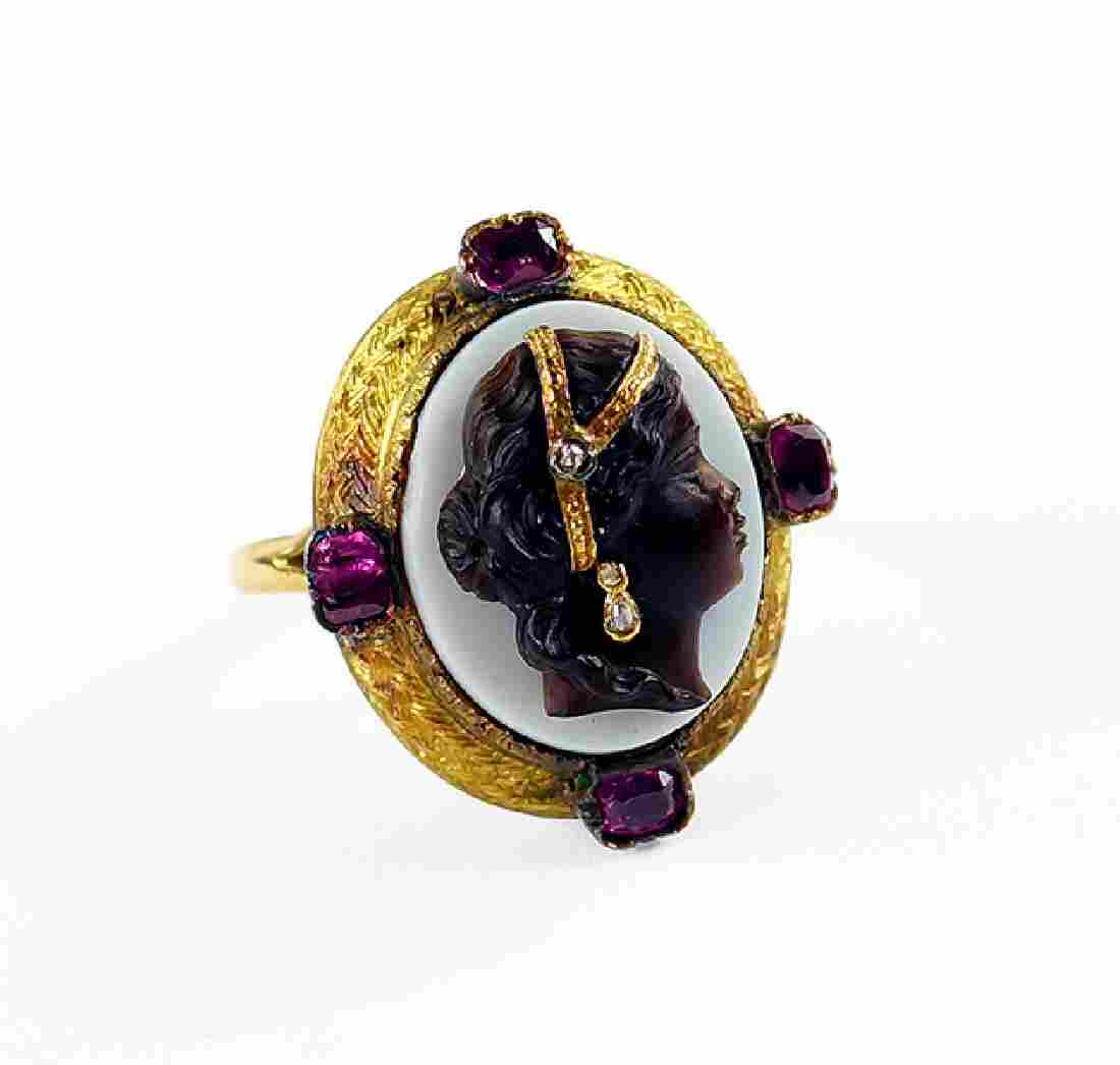 A Late Victorian Cameo Ring.