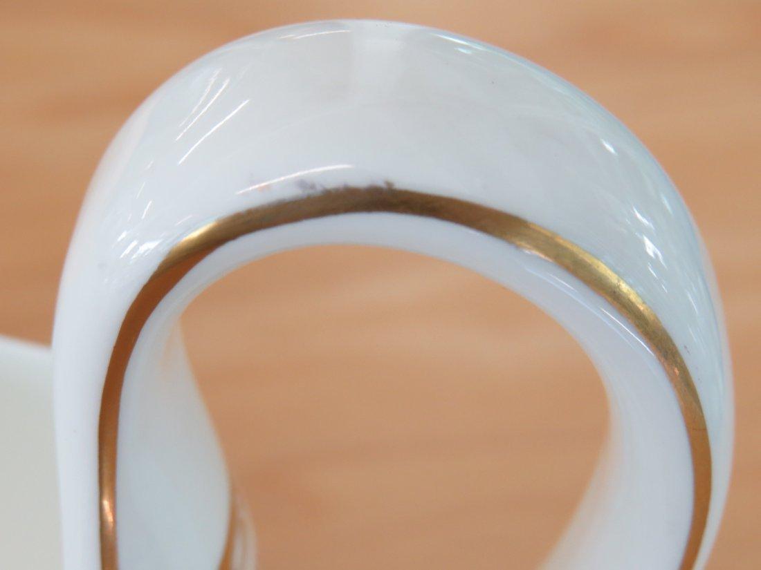 A Wedgwood Porcelain Dinner Service. - 4
