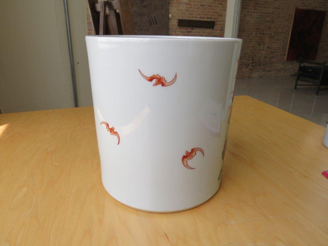 A Chinese Famille Verte Porcelain Brush Pot. - 4