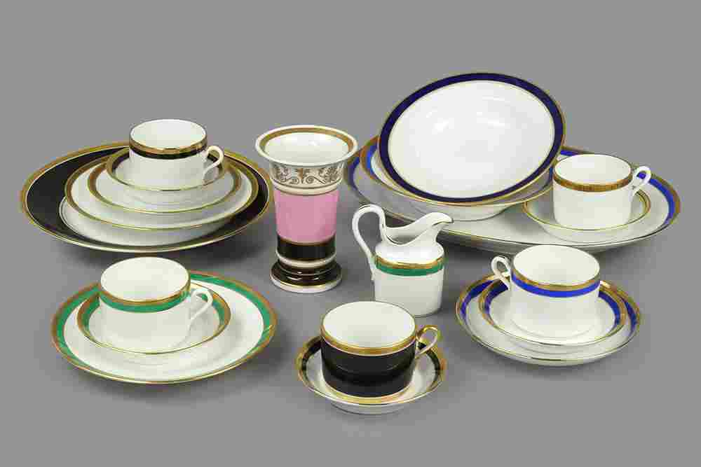 A Collection of Richard Ginori Porcelain Dinner Service