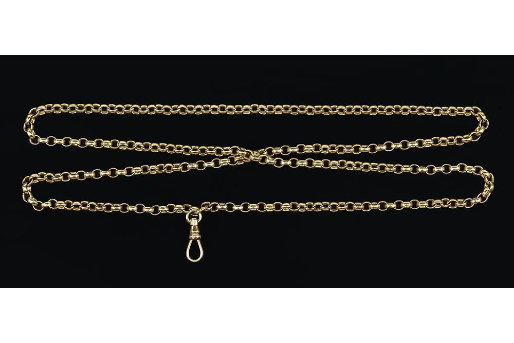 A 10 Karat Yellow Gold Necklace.