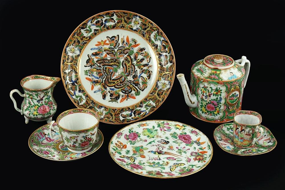 A Collection of Chinese Rose Medallion Porcelain Table