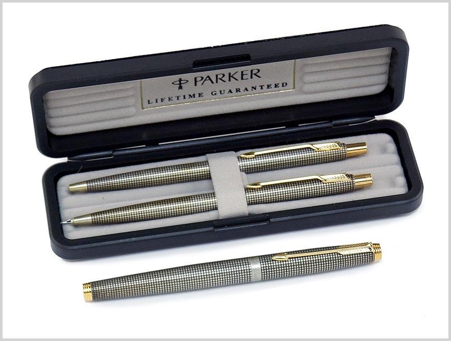 A Parker Sterling Silver Pen and Pencil Set.