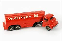 Smith Miller Smitty Toy Mobil Oil Pressed Steel Tanker
