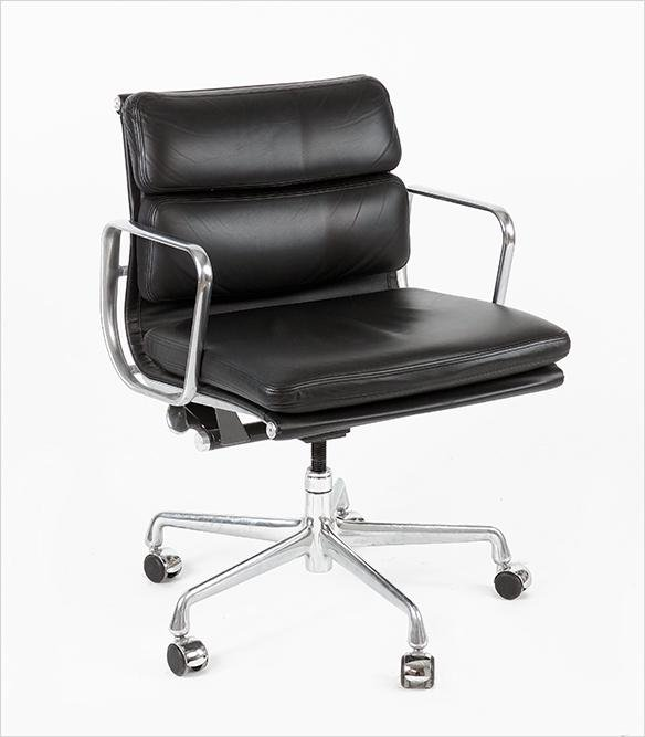A Charles & Ray Eames for Herman Miller Chair.