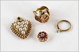A Collection of 14 Karat Yellow Gold Jewelry