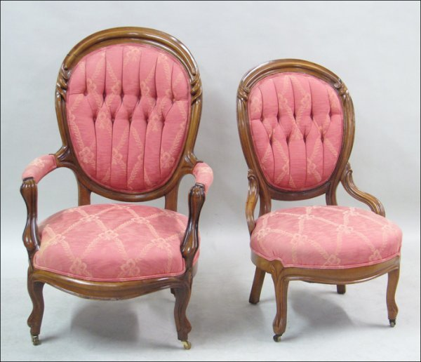 681025: VICTORIAN STYLE LADY'S WALNUT PARLOR CHAIR.