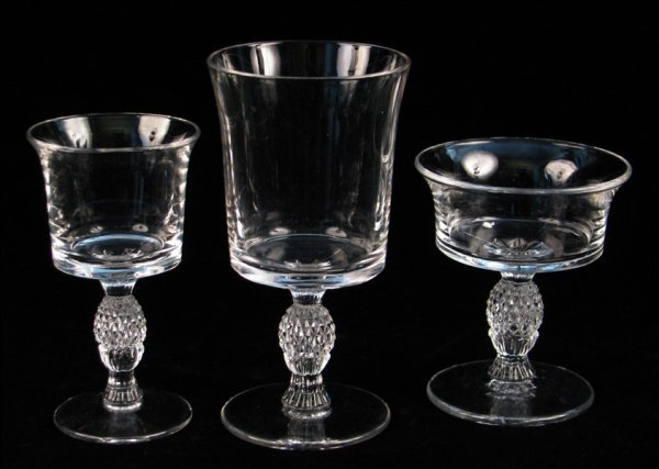 692007: HEISEY CRYSTAL STEMWARE IN THE PLANTATION PATTE