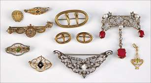 707032 SIX VICTORIAN BROOCHES