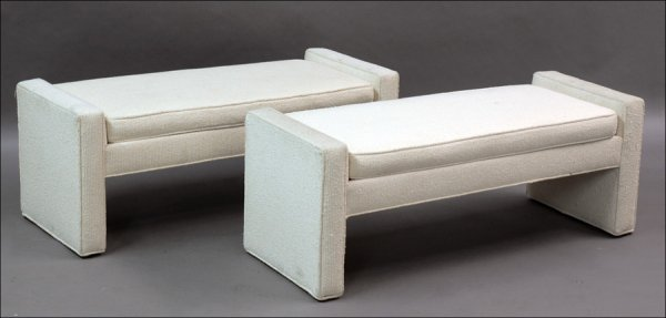 711024: PAIR OF CONTEMPORARY UPHOLSTERED BENCHES.