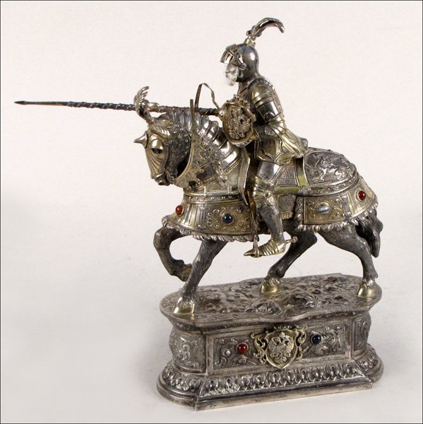744004: GERMAN STERLING SILVER AND GILT SILVER HORSE AN
