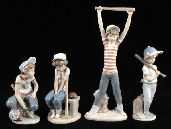 """752001: THREE LLADRO PORCELAIN FIGURES FROM THE """"LITTLE"""