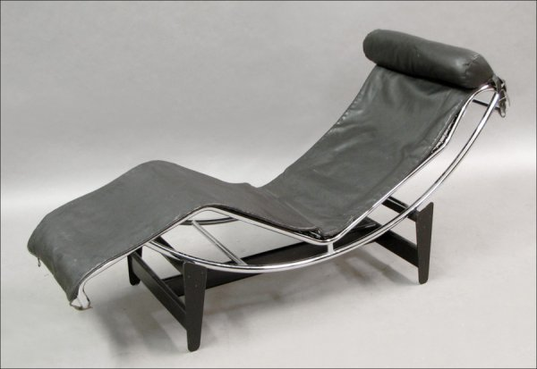761001: LE CORBUSIER METAL & LEATHER CHAISE LOUNGE.
