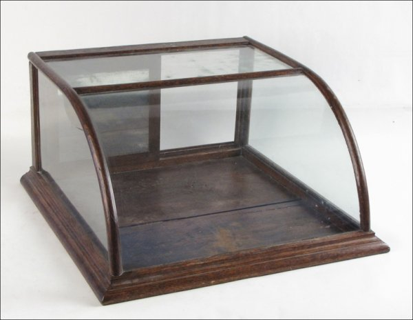 771093: ANTIQUE COUNTER TOP DISPLAY CABINET.