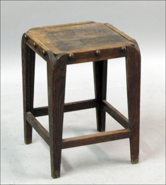 ARTS AND CRAFTS OAK STOOL.