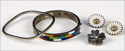 STERLING SILVER AND MULTICOLORED ENAMEL BANGLE BRACELE