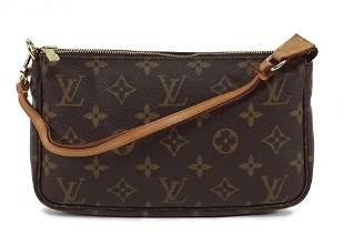 A Louis Vuitton Pochette Handbag.