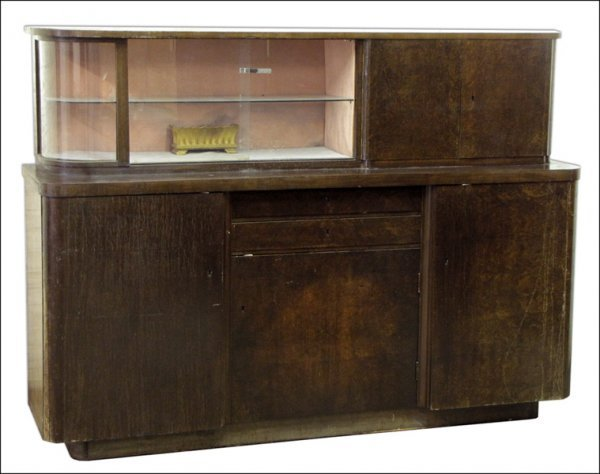 FRENCH ART DECO DISPLAY CASE.