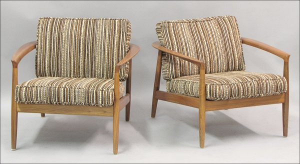 821002: PAIR OF DUX DANISH MODERN TEAK ARMCHAIRS.