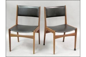 821004: PAIR OF FREM ROJLE DANISH MODERN TEAK AND LEATH
