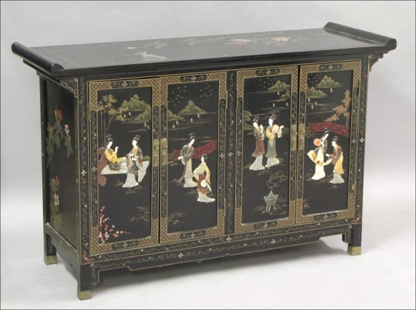 831014: CHINESE BLACK LACQUER AND PAINTED SERVER.