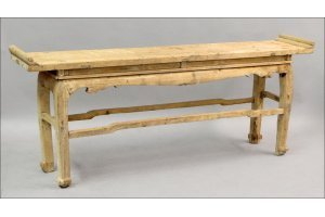 831018: CHINESE STYLE RUSTIC PINE CONSOLE.
