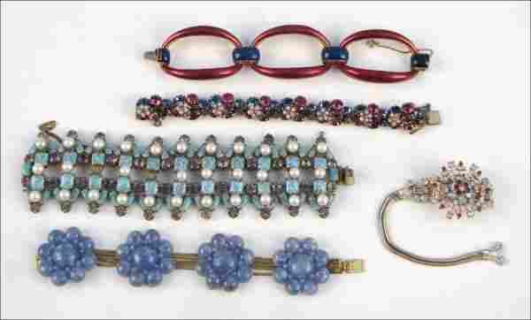 837019: CINER BLUE AND MAGENTA ENAMEL LINK BRACELET.