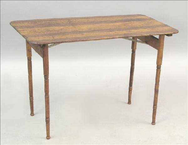 851003: TURNED OAK COLLAPSIBLE SEWING TABLE.
