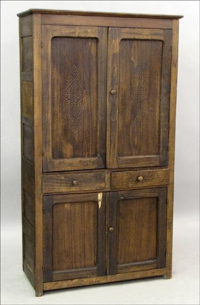 851023: EARLY 20TH CENTURY AMERICAN PINE PIE SAFE.