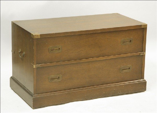 871001: BRASS BOUND MAHOGANY CAMPAIGN CHEST.