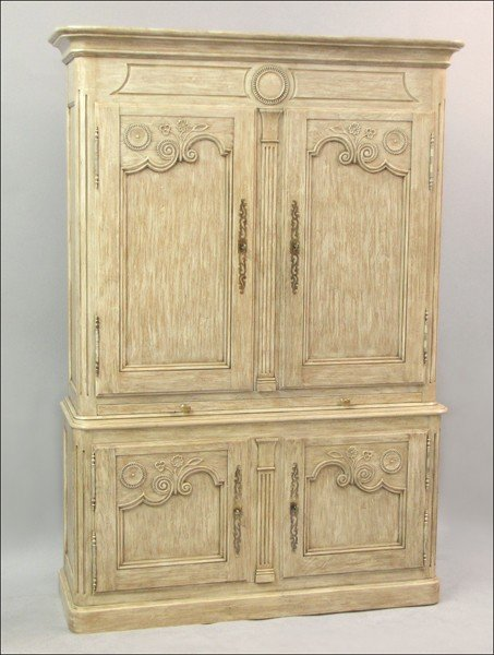 871012: BAKER FRENCH PROVINCIAL STYLE PAINTED AND ELECT