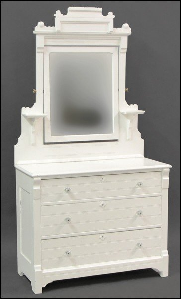 871022: VICTORIAN STYLE WHITE PAINTED DRESSER.