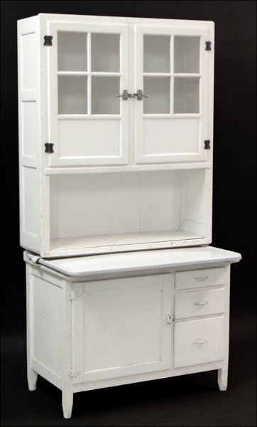 871023: WHITE PAINTED HOOSIER CABINET.