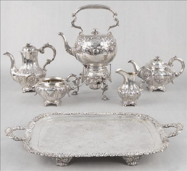 894004: 19TH CENTURY ENGLISH STERLING SILVER REPOUSSE T