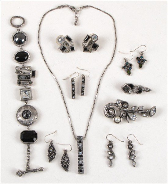 907020: COLLECTION OF PATRICIA LOCKE JEWELRY.