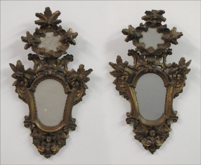 911001: PAIR OF ITALIAN GESSO AND GILTWOOD MIRRORS.