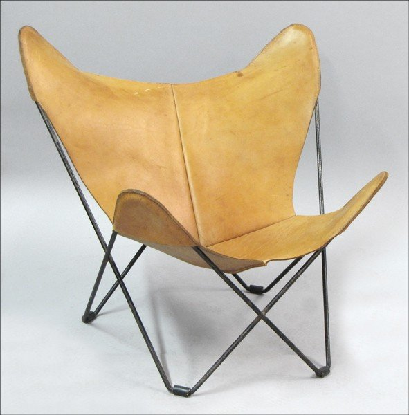 911016: LEATHER AND METAL BUTTERFLY CHAIR.