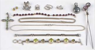 947073 GROUP OF STERLING SILVER JEWELRY