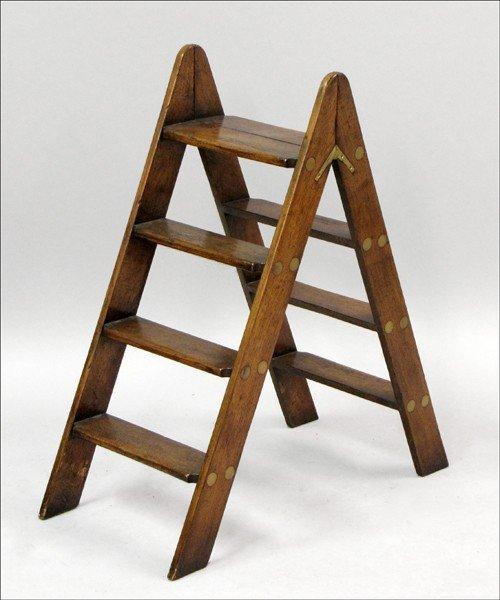 961003: OAK FOLDING LIBRARY STEPS.