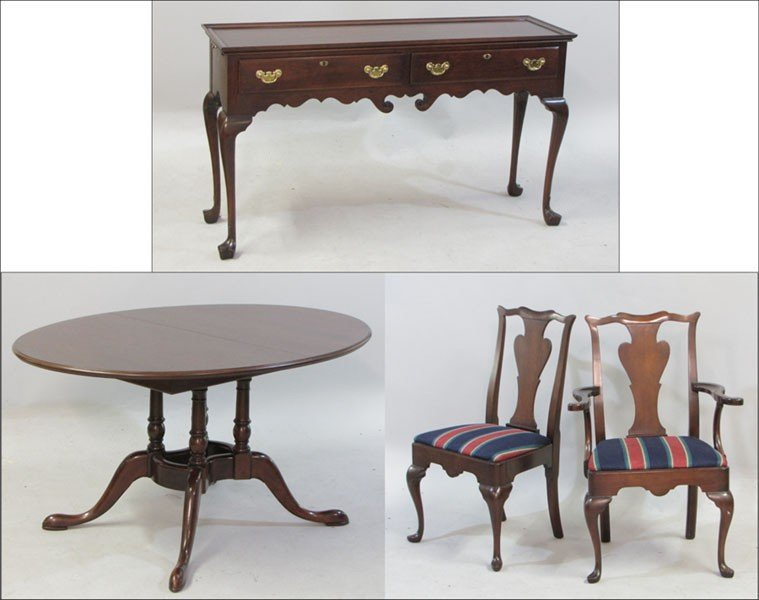 991010: QUEEN ANNE STYLE CHERRY DINING SUITE.