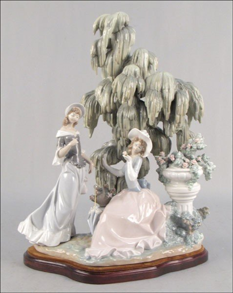 992142: LLADRO PORCELAIN FIGURE OF UNDER THE WILLOW.