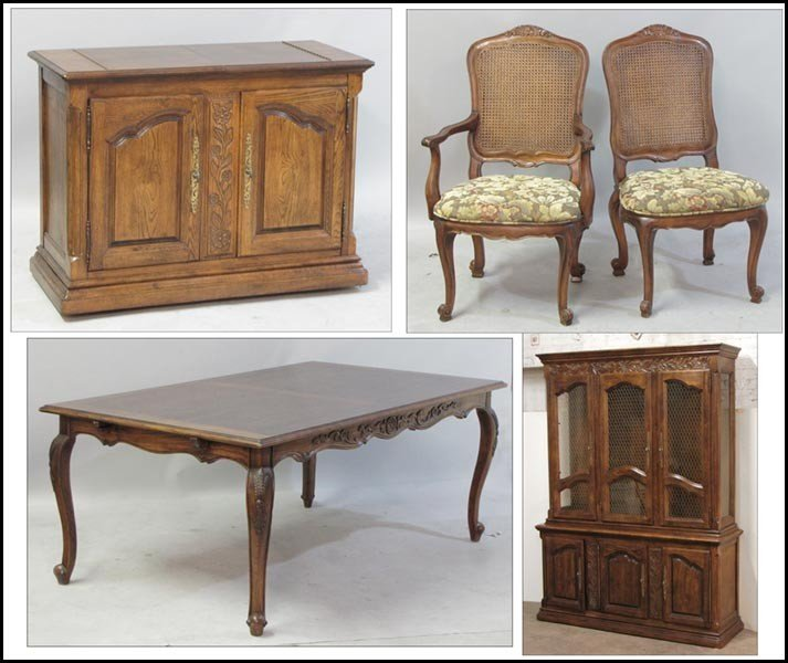 1031016: HICKORY MANUFACTURING COMPANY DINING SUITE.