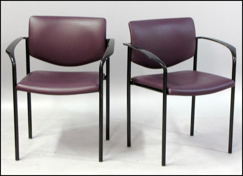 1041009: SET OF FIVE STEELCASE LEATHER UPHOLSTERED ARMC
