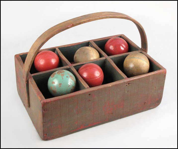 1042280: VINTAGE BOCCE BALL SET.