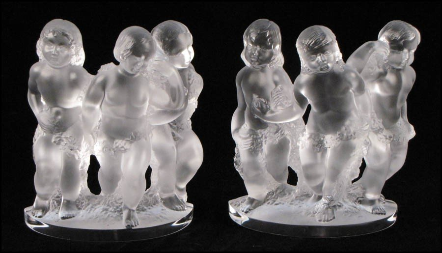1052002: TWO LALIQUE CRYSTAL LUXEMBOURG FIGURAL GROUPS.