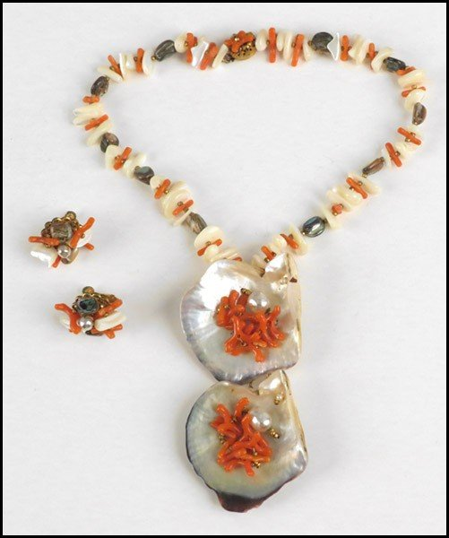 467018: MIRIAM HASKELL SHELL AND FAUX CORAL PARURE.