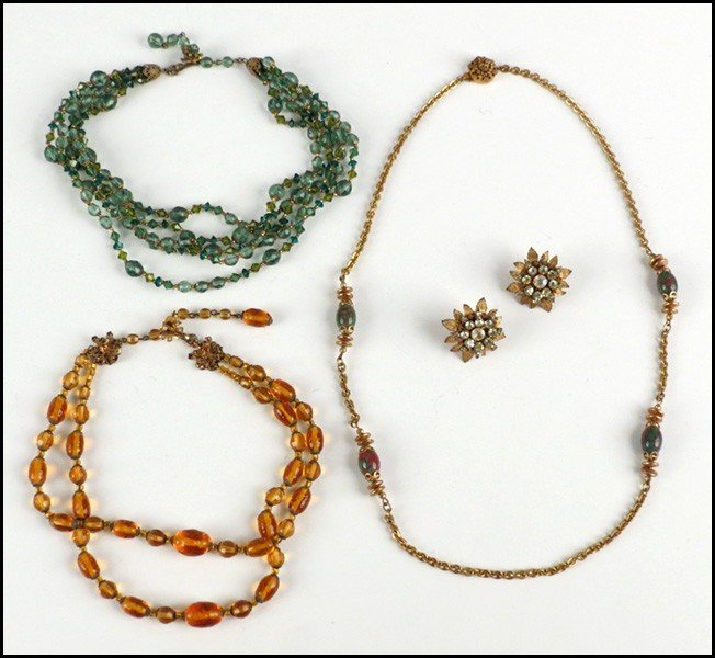 467025: GROUP OF MIRIAM HASKELL JEWELRY.