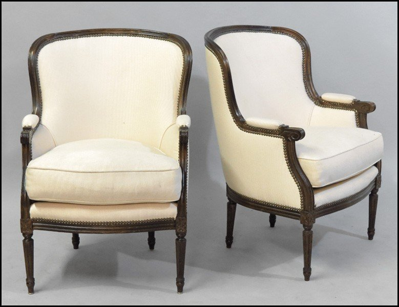 1081023: PAIR OF UPHOLSTERED BERGERES.