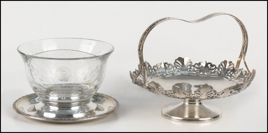 1084013: STERLING SILVER AND ETCHED GLASS CONDIMENT SER