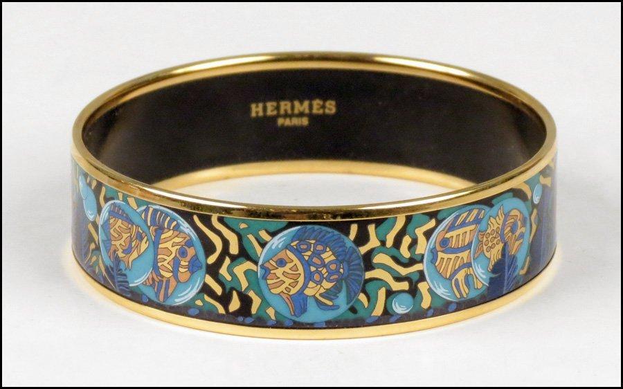 487004: HERMES ENAMEL BRACELET.